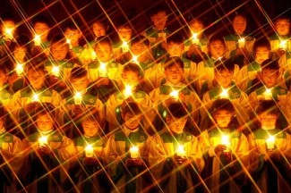 A South Korean children's choir sings at Mass on Christmas Eve in Seoul. (CNS photo from Reuters)