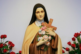 Statue of St. Thérèse of Lisieux at the National Shrine of St. Thérèse in Darien, Illinois. (CNS photo/Nancy Wiechec)