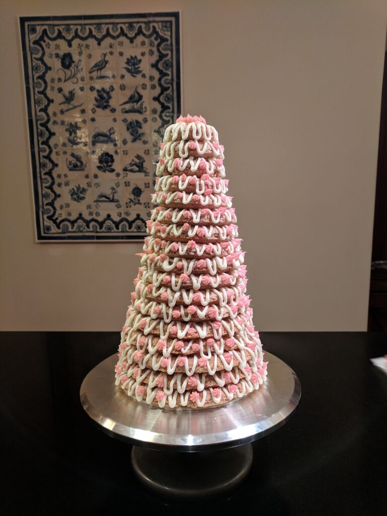 Kransekake cake